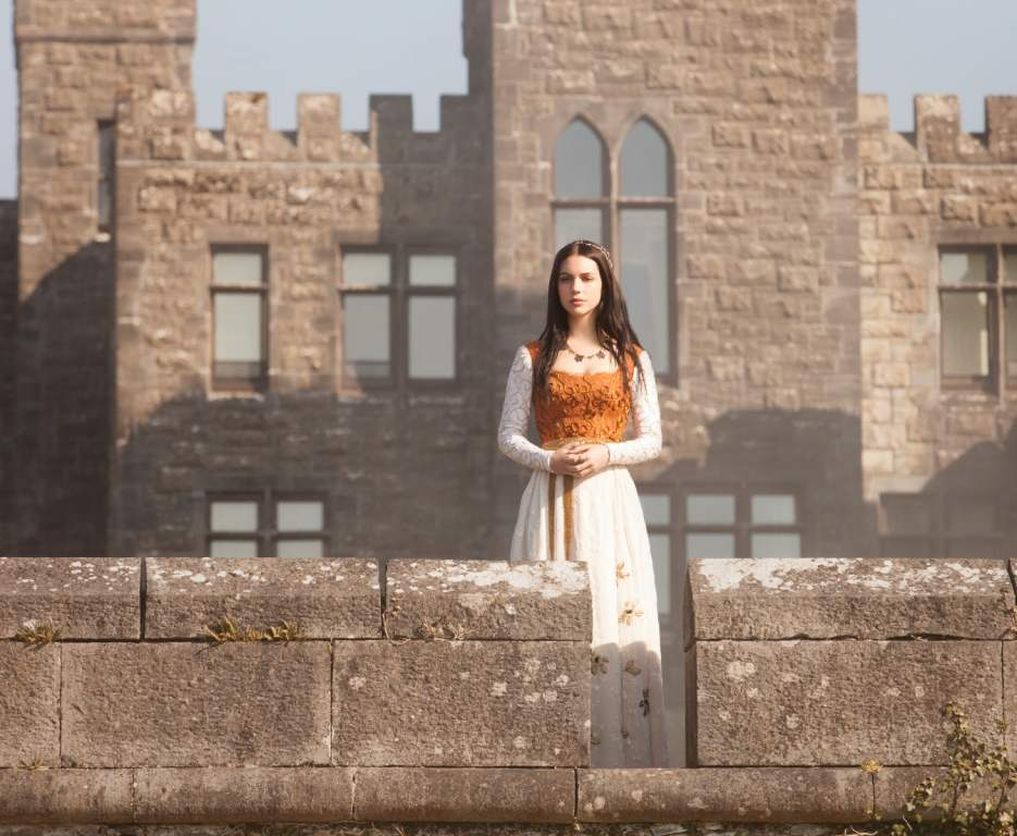 "Reign -- ""Pilot"" -- Pictured: Adelaide Kane as Mary Queen of Scots -- Image Number: RE100a_003r.jpg -- Photo: Joss Barratt/The CW -- © 2013 The CW Network, LLC. All rights reserved."