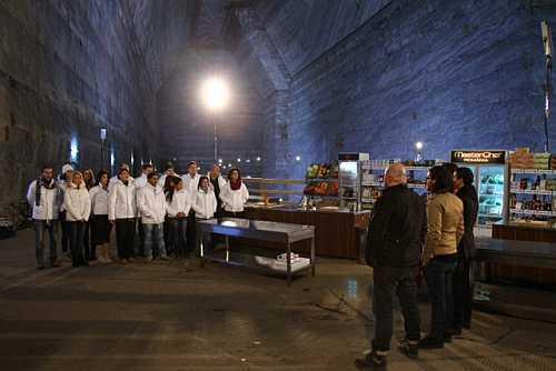 Concurenţii MasterChef gătesc pentru lucrătorii din salina Prahova